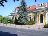 Ötösfogat Étterem és Zsolnay Kávéház
